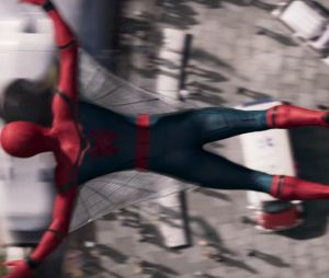 """Filme """"Homem-Aranha: De Volta ao Lar"""": primeiro trailer oficial mostra Peter (Tom Holland) e Tony Stark (Robert Downey Jr)"""