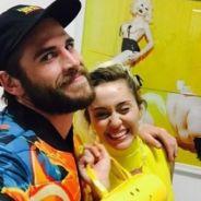 Liam Hemsworth e Miley Cyrus comemoram festa de Natal na casa da gata e fãs especulam casamento!