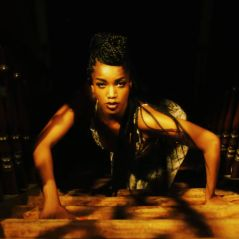 """Iza, da trilha de """"Rock Story"""", lança single """"Te Pegar"""" junto com clipe e recebe elogios!"""