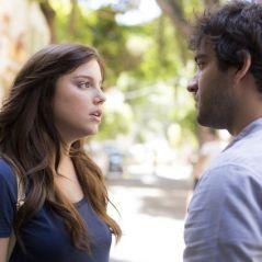 """Novela """"A Lei do Amor"""": Tiago (Humberto Carrão) e Marina se rendem à paixão e passam a semana juntos"""
