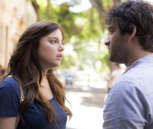 """Em """"A Lei do Amor"""": Marina (Alice Wegmann) e Tiago (Humberto Carrão) passam a semana juntos"""