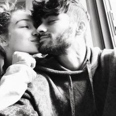 Zayn Malik e Gigi Hadid aparecem apaixonados em foto e modelo mostra presente de Valentine's Day