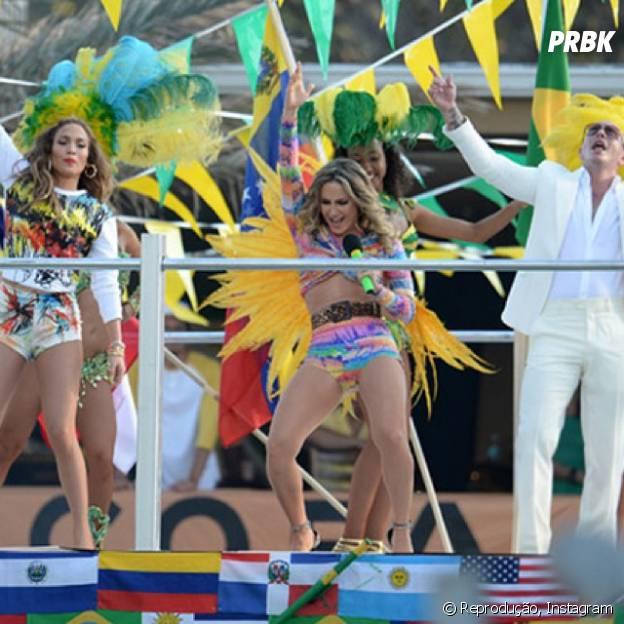 Jennifer Lopez posta foto com Claudia Leitte e Pitbull