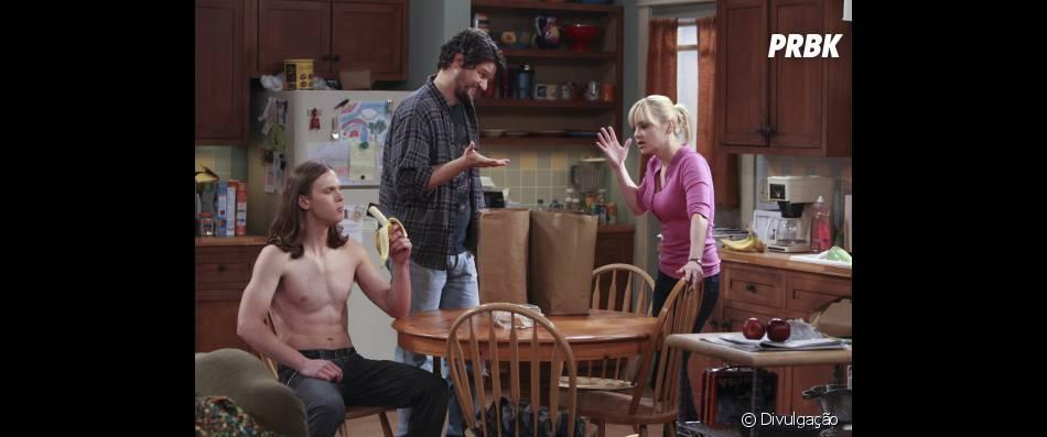 Anna Faris contracena com  Matt Jones que interpreta seu ex-marido Baxter e ainda tem a presença do namorado de sua filha Luke ( Spencer Daniels).