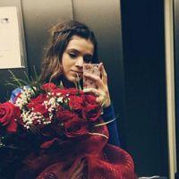 Bruna Marquezine recebe flores e declaração de amor de Neymar após jogo da Copa