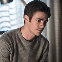 "Em ""The Flash"": na 3ª temporada, personagem importante morre e deixa Barry (Grant Gustin) arrasado!"