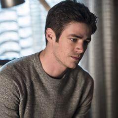 """Em """"The Flash"""": na 3ª temporada, personagem importante morre e deixa Barry (Grant Gustin) arrasado!"""