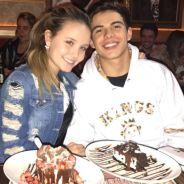 Larissa Manoela e Thomaz Costa jantam juntos após negarem namoro