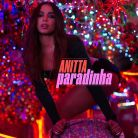 """Anitta, com """"Paradinha"""", sobe para 1º lugar nas paradas do Brasil e supera Justin Bieber!"""