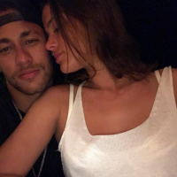 Bruna Marquezine para de seguir Neymar Jr. no Instagram e exclui fotos com o jogador