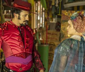"""Em """"Meu Pedacinho de Chão"""", Zelão (Irandhir Santos) sempre foi apaixonado por Juliana (Bruna Linzmeyer)"""