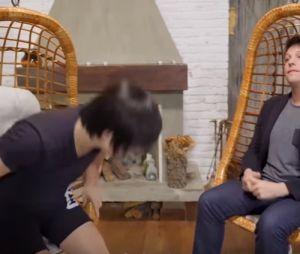 Pyong Lee utiliza seus truques no Fábio Porchat