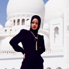 """Rihanna é obrigada a se retirar de mesquita após fotos """"inapropriadas"""""""