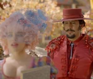 """Juliana (Bruna Linzmeyer) descobre que Zelão (Irandhir Santos) é o homem para ela em """"Meu Pedacinho de Chão"""""""