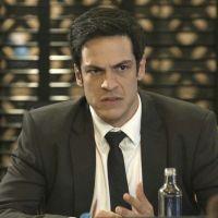 """Novela """"Pega Pega"""": Eric descobre que Luiza (Camila Queiroz) está morando no hotel!"""