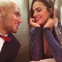 Neymar Jr. curte foto de beijo em Bruna Marquezine e fãs comemoram!