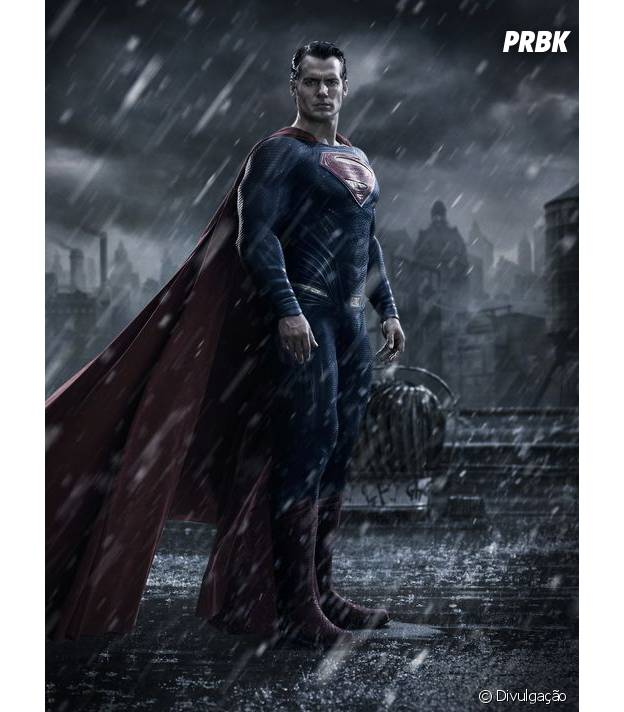 """Henry Cavill como Homem de Aço em imagem de """"Batman vs Superman"""""""