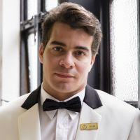 """Novela """"Pega Pega"""": Júlio (Thiago Martins) será preso após confessar que roubou hotel!"""