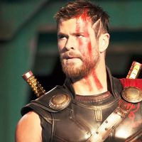 """Filme """"Thor: Ragnarok"""" ganha novo pôster recheado de heróis!"""