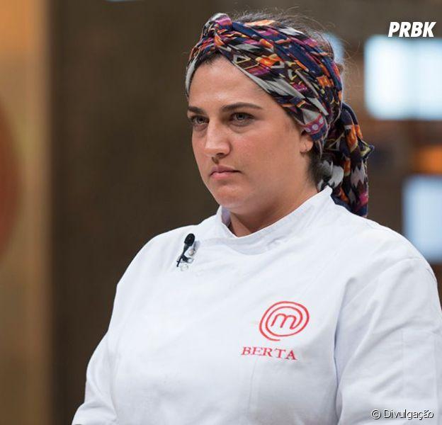 """No """"MasterChef Profissionais"""": Berta é eliminada após preparar frango muito amargo!"""