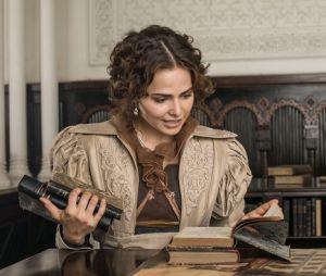 """Em """"Novo Mundo"""", Leopoldina (Letícia Colin) vai arrancar um pedaço do próprio vestido para usar como faixa"""