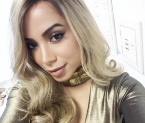 Anitta aparece loira no Instagram e surpreende fãs!