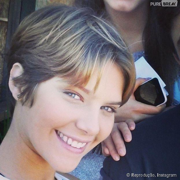 """Isabella Santoni, a Karina de """"Malhação Sonhos"""", revela que engordou após treinos de muay thai: """"3kg, acredita?!"""""""