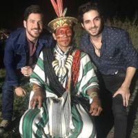 """Final """"A Força do Querer"""": Ruy (Fiuk) e Zeca reencontram índio e descobrem profecia!"""