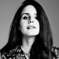"""Lana Del Rey é capa de revista e causa polêmica sobre próximo CD: """"Não faço ideia!"""""""