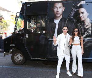 Nick Jonas dá entrevista à rádio e fala sobre passado de Demi Lovato