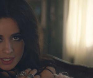 """Camila Cabello deu os primeiros passos da carreira solo com parcerias incríveis. Um exemplo é """"Bad Things"""", com Machine Gun Kelly"""
