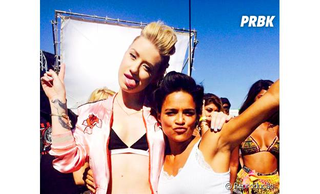 "Iggy Azalea e Michelle Rodriguez em set de ""Velozes e Furiosos 7"""