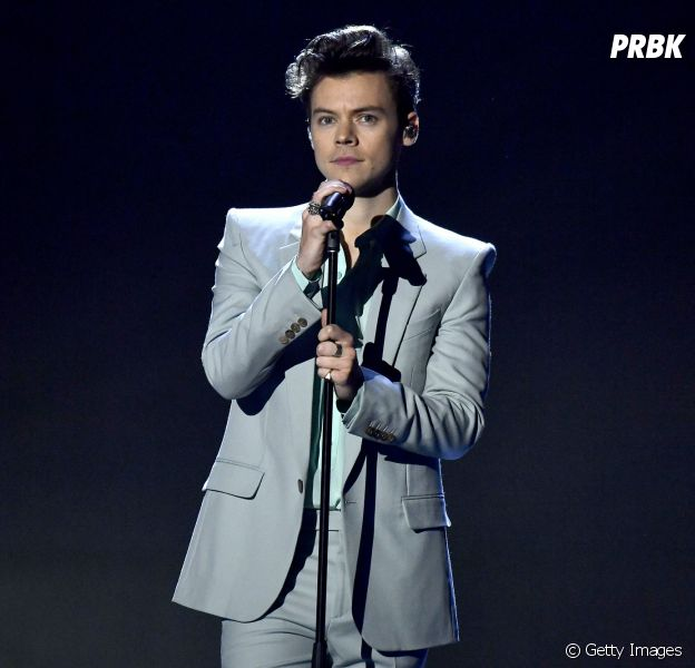 Harry Styles se apresentou no Victoria's Secret Fashion Show nesta terça-feira (28)