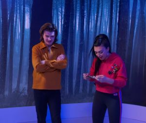"Joe Keery, o Steve de ""Stranger Things"", participa do ""TRL"""
