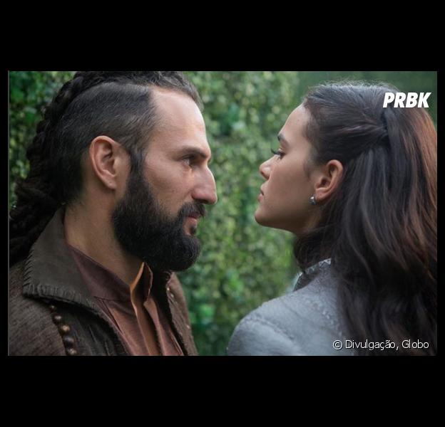 """Em """"Deus Salve o Rei"""", Catarina (Bruna Marquezine) e Constantino (José Fidalgo) vão enfrentar problemas na relação"""