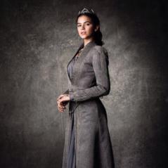 """Bruna Marquezine, de """"Deus Salve o Rei"""", fala de relação com elenco: """"Mesma sintonia"""""""