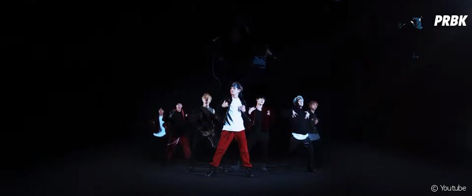 """Em 2017, o grupo de k-pop BTS colocou hits como """"DNA"""" e """"Mic Drop"""" na cabeça de todo o mundo"""