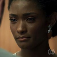 """Novela """"O Outro Lado do Paraíso"""": Raquel pode ficar paraplégica após tentativa de assassinato"""