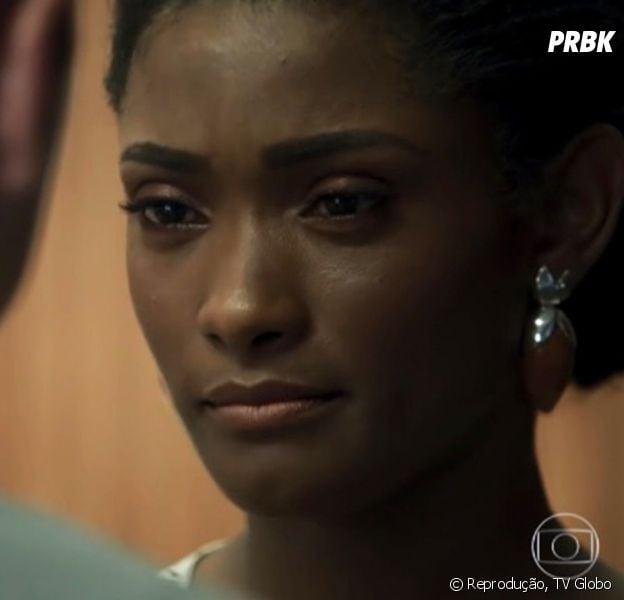 """Em """"O Outro Lado do Paraíso"""": Raquel (Érika Januza) sofre atentado e pode ficar paraplégica"""