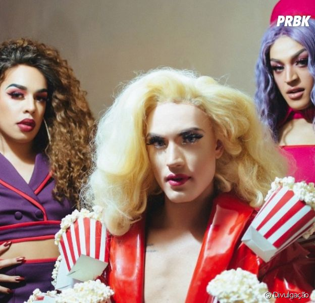 """Pabllo Vittar, Aretuza Lovi e Gloria Groove divertem o público com o clipe de """"Joga Bunda"""""""