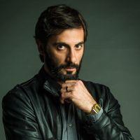 """Novela """"O Outro Lado do Paraíso"""": Vinícius é assassinado após acusação de abuso sexual"""