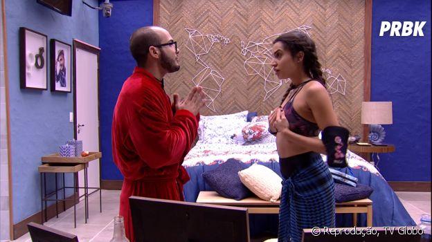 """No Bangalô do Líder do """"BBB18"""", Mahmoud conversa com Paula e diz que indicou Ana de forma rude"""