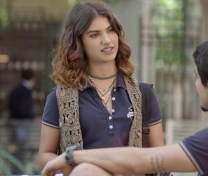 """Em """"Malhação"""", Samantha (Giovanna Grigio) elogia Lica (Manoela Aliperti) para Felipe (Gabriel Calamari)"""