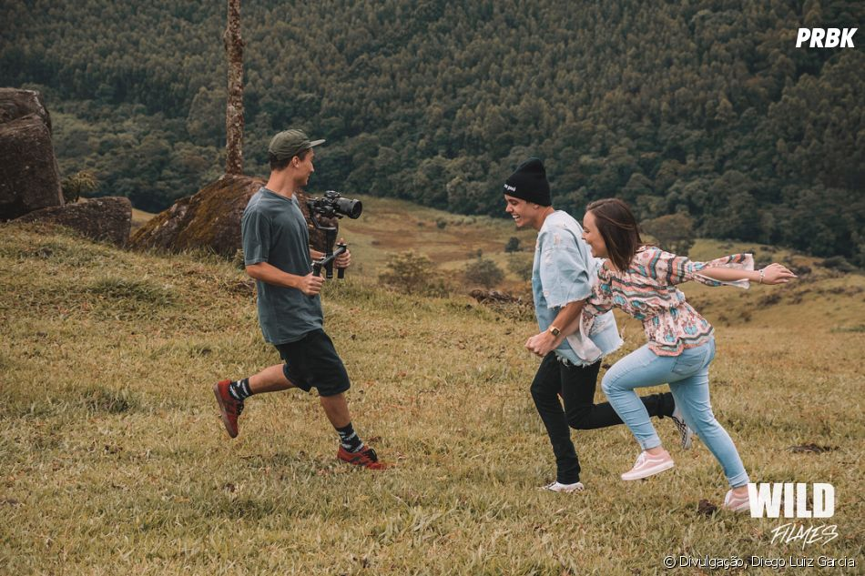 Larissa Manoela e Leo Cidade gravam o clipe de  quot Menina Te Quero  Tanto quot  8c7708c1f8