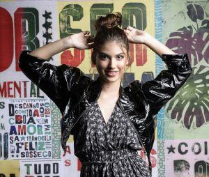 """Destaque em """"Malhação"""", Giovanna Grigio faz sua primeira tatuagem! Confira"""