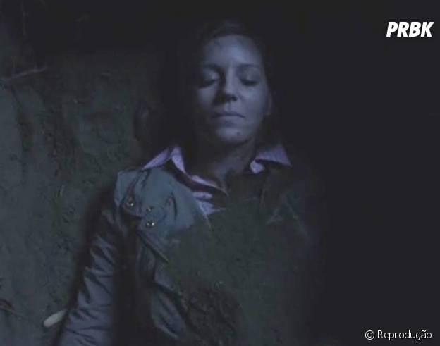 """A Sra. DiLaurentis (Andrea Parker) foi enterrada no quintal de casa em """"Pretty Little Liars"""""""