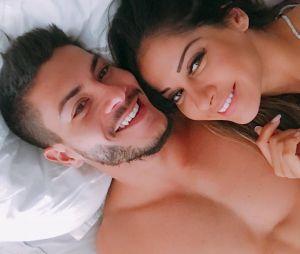 Arthur Aguiar e Mayra Cardi anunciam sexo e nome do bebê