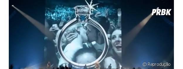 Câmera do beijo durante o show de Miley Cyrus