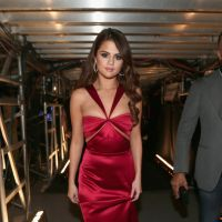 Selena Gomez, Ariana Grande e mais looks incríveis dos tapetes vermelhos!