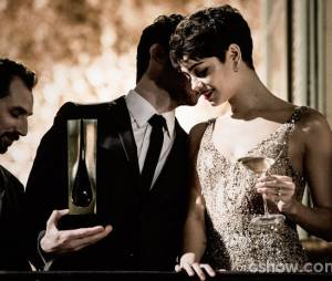 """No início da trama de """"O Rebu"""", a relação de Duda (Sophie Charlotte) e Antonio (Michel Noher) era quente"""